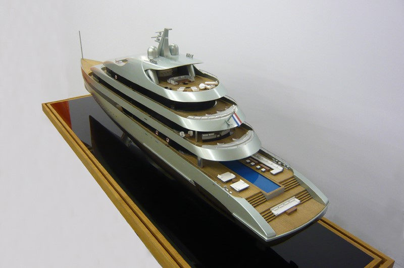 Shipmodel scale 1-175 Savannah